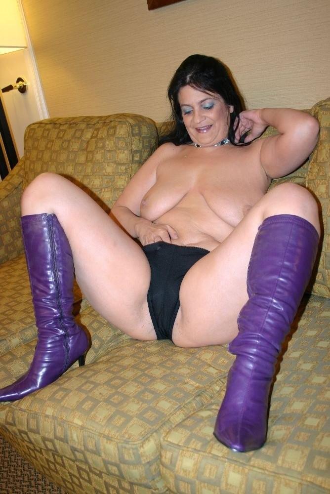 hot mom toying fir son porn – Lesbian
