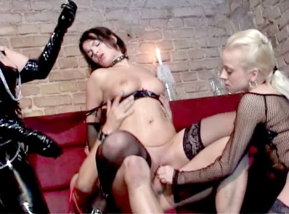 big tits lesbian orgy – Lesbian