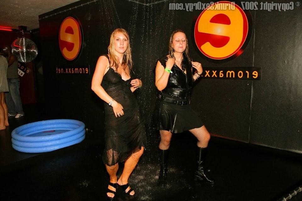 lisbon sensual footjob – Lesbian