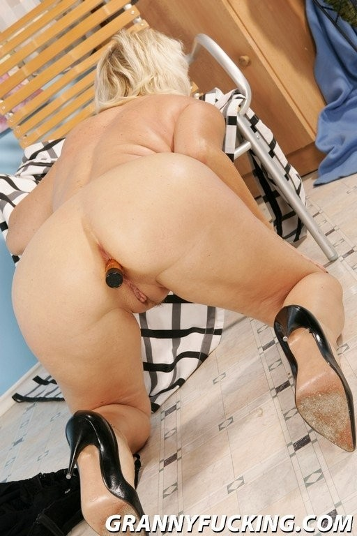 my friends mom s huge boobs – Pornostar
