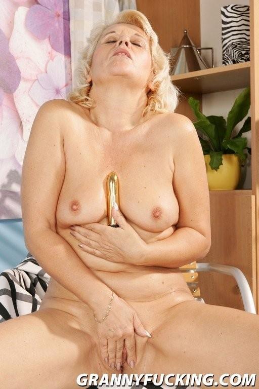 when do boobs start leaking during pregnancy – Porno